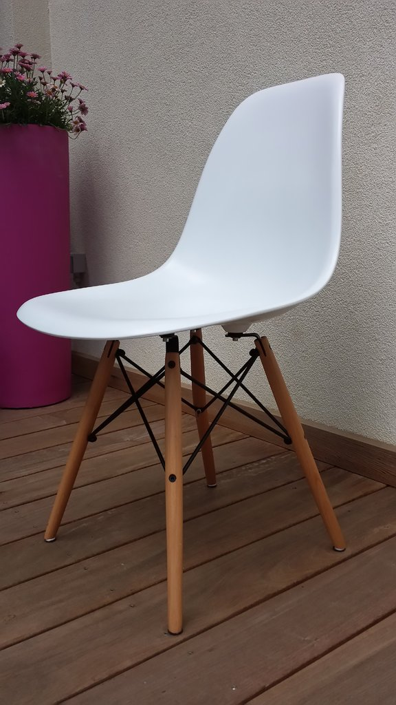 chaise design eames dsw copie ou originale