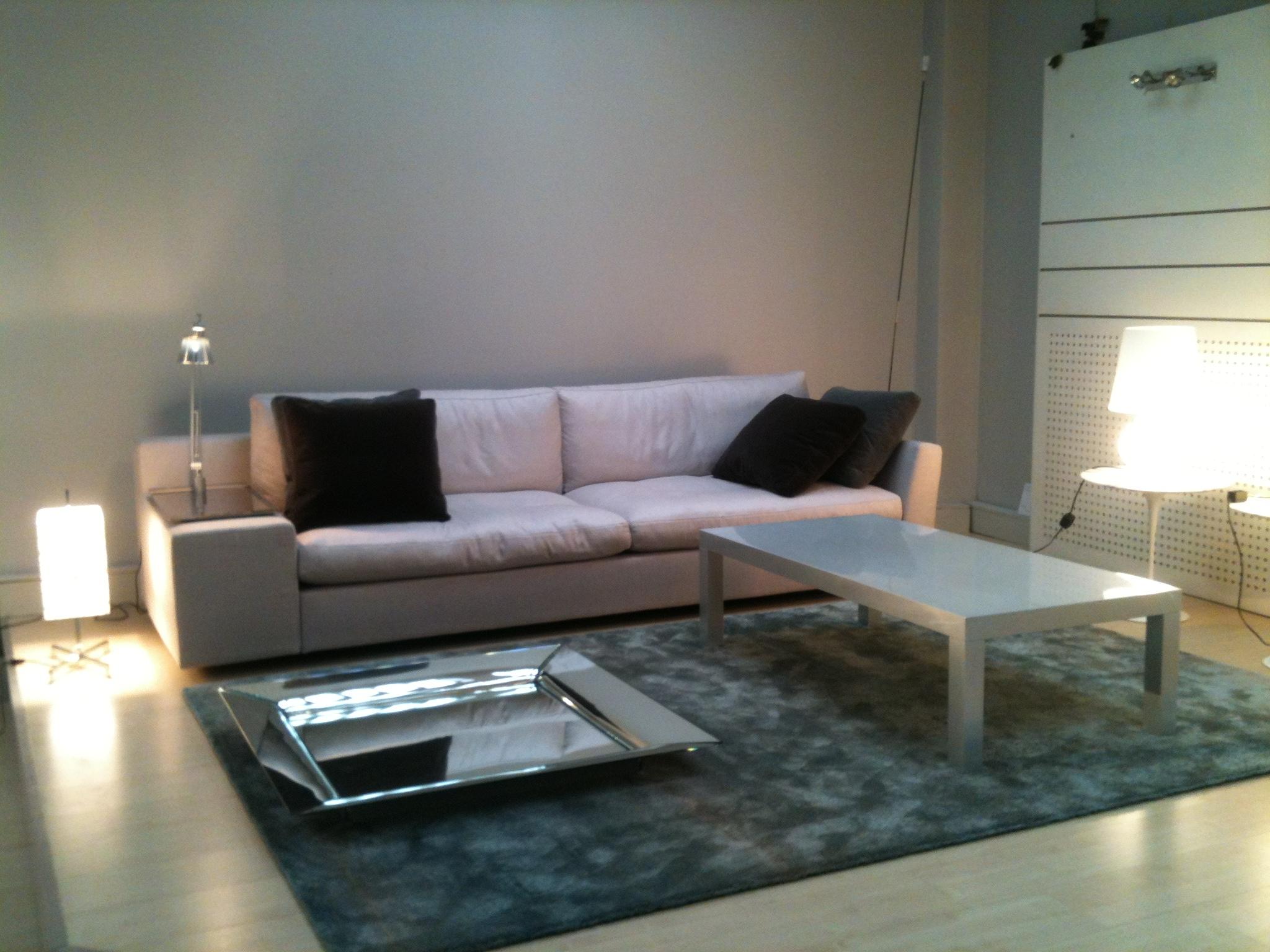 canap cassina storanza. Black Bedroom Furniture Sets. Home Design Ideas