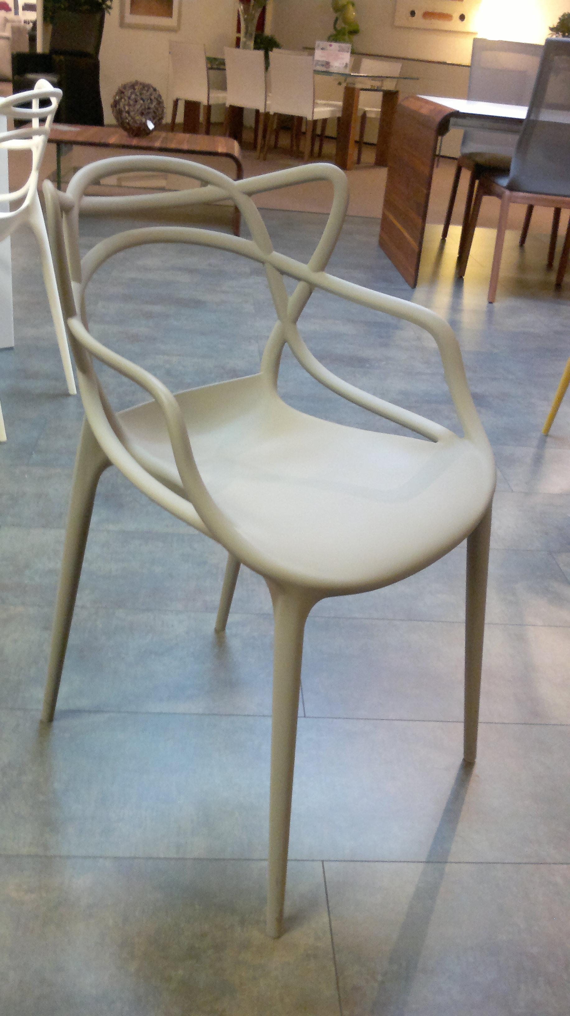 chaise kartell master storanza. Black Bedroom Furniture Sets. Home Design Ideas