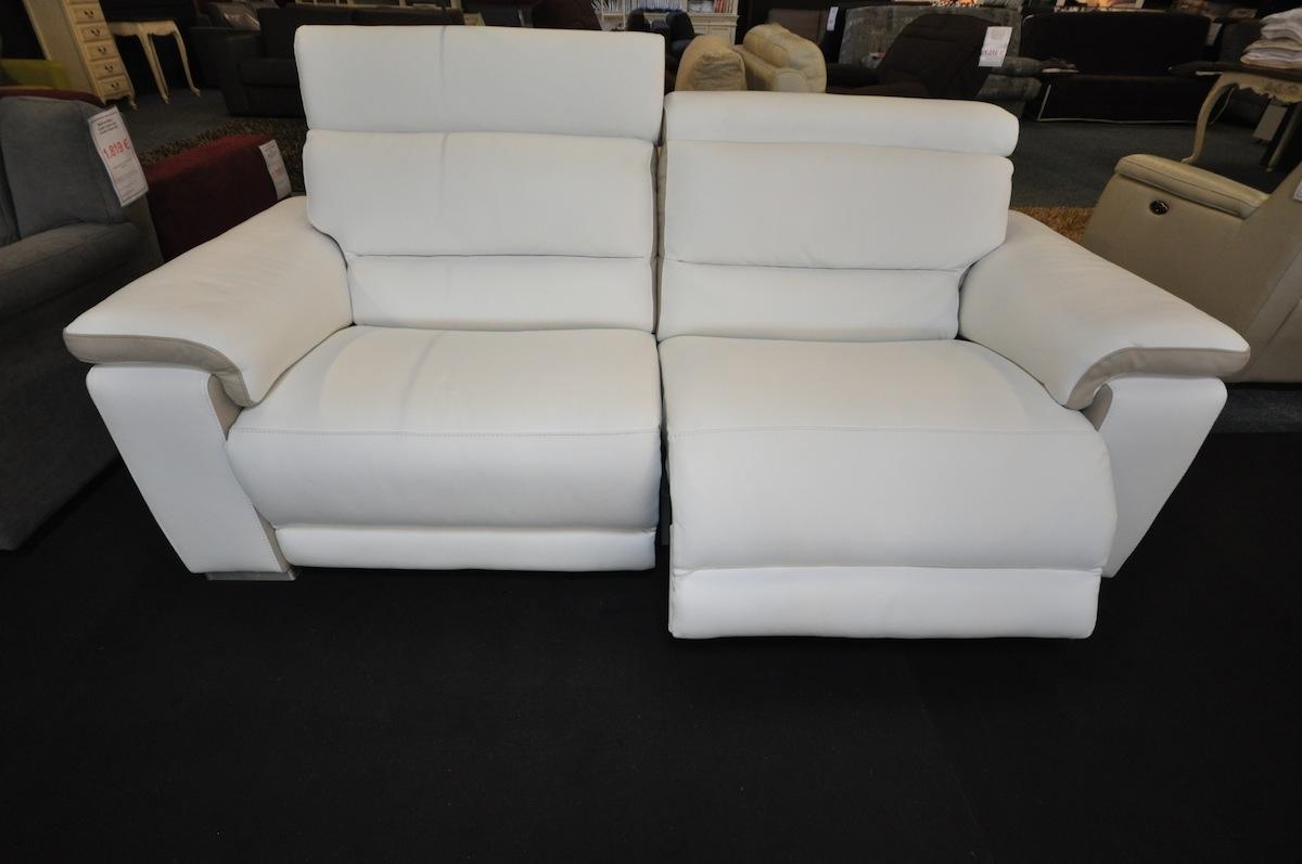 salon ref dak avec relax modele haut de gamme en cuir. Black Bedroom Furniture Sets. Home Design Ideas