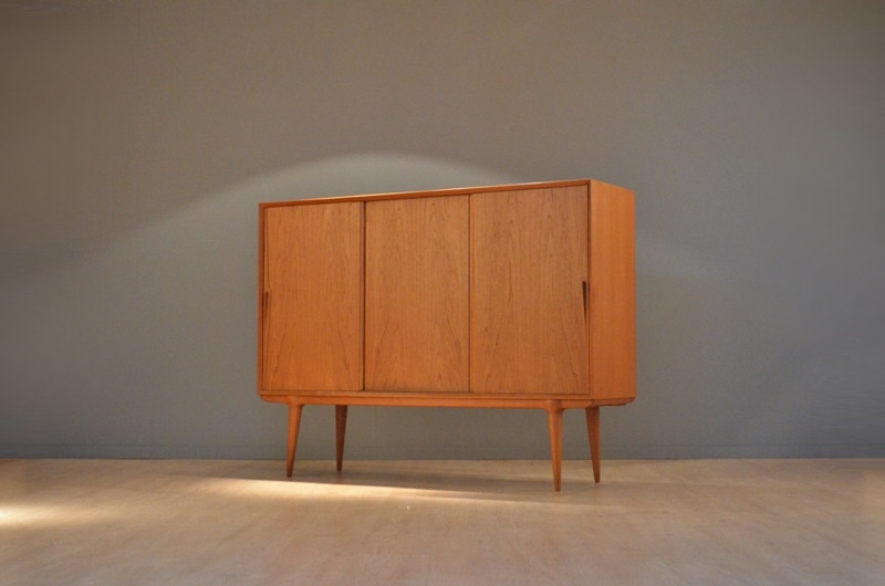 grand meuble rangement sideboard double face par gunni. Black Bedroom Furniture Sets. Home Design Ideas